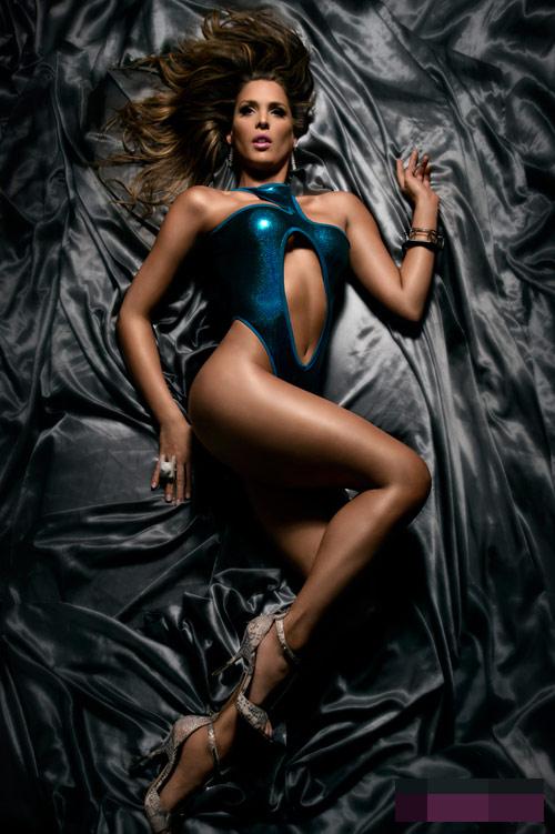 Người mẫu,chân dài,nổi tiếng,giới tính,chuyển giới,thân hình,bốc lửa