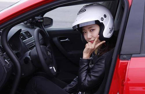 Fans 'choáng' trước khả năng chơi cực nhiều môn thể thao của Park Shin Hye