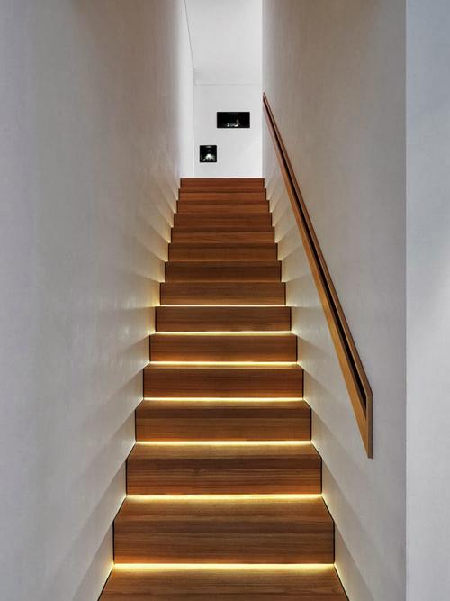 1404063526 7 jpg6 Chia sẻ bí quyết chiếu sáng cầu thang đẹp ngỡ ngàng