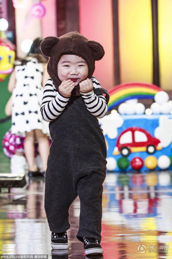 Nhóc tỳ,đáng yêu,mắt một mí,Kka Moong,gây sốt truyền hình