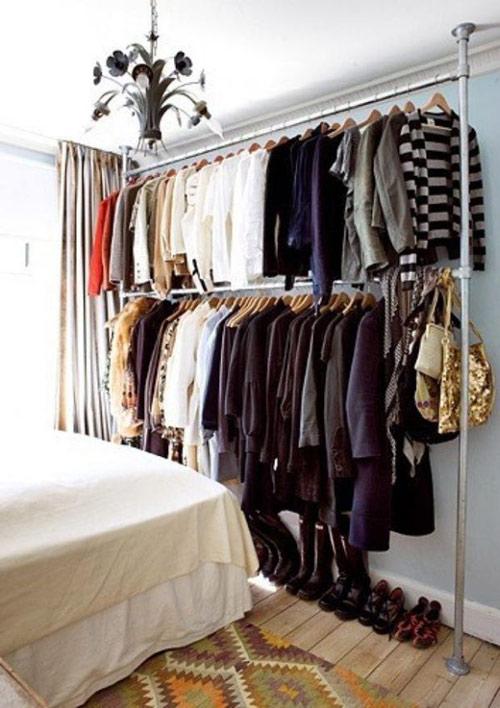 1404448436 14 jpg12 Gợi ý thiết kế tủ quần áo mở lý tưởng cho phòng ngủ nhỏ