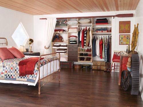 1404448436 3 jpg2 Gợi ý thiết kế tủ quần áo mở lý tưởng cho phòng ngủ nhỏ
