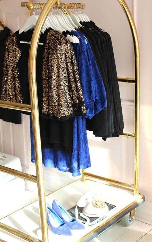 1404448436 4 jpg3 Gợi ý thiết kế tủ quần áo mở lý tưởng cho phòng ngủ nhỏ
