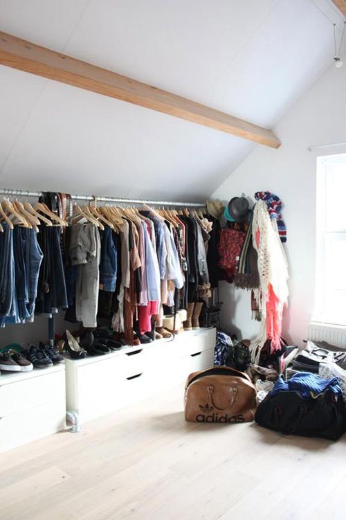 1404448436 7 jpg6 Gợi ý thiết kế tủ quần áo mở lý tưởng cho phòng ngủ nhỏ
