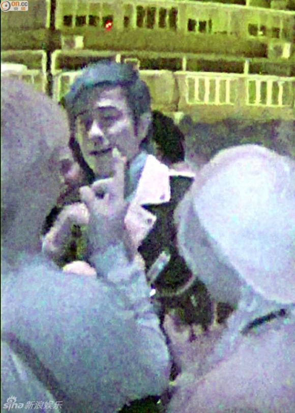 Trịnh Gia Dĩnh, sao Hồng Kông, sao bị bắt gặp trong bar
