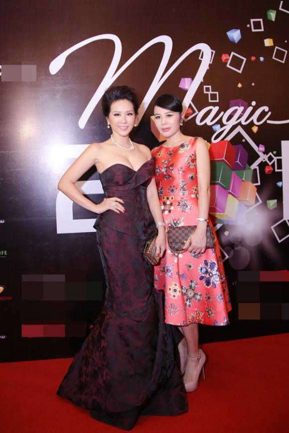 sao Việt, Hoa hậu phu nhân thế giới người Việt, hoa hậu Thu Hoài, hoa hậu Thu Hoài diện trang sức 7 tỷ dự sự kiện