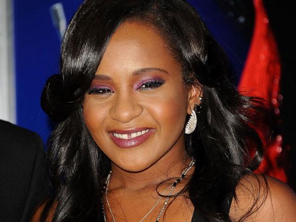 Whitney Houston,Bobbi Kristina Brown,con gái Whitney Houston,gia đình Whitney Houston,sao Hollywood,con gái Whitney Houston nhập viện