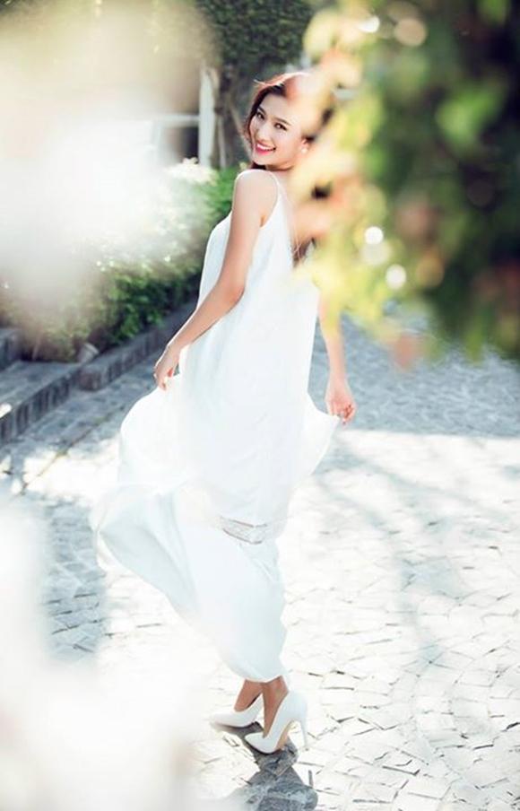 Linh sunny, mc bước nhảy hoàn vũ, vẻ đẹp nhẹ nhàng mong manh, mc mỹ linh