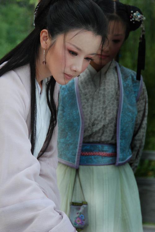 sao Việt, Tôn Phi Phi, mỹ nữ cổ điển số 1 của truyền hình đại lục, Tôn Phi Phi làm tình nhân của Sa Dật, Mẫu đơn đình
