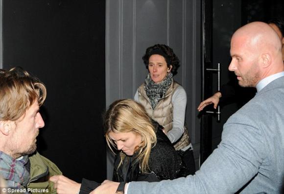 Kate Moss, sieu mau Kate Moss, sao xich mich voi phong vien