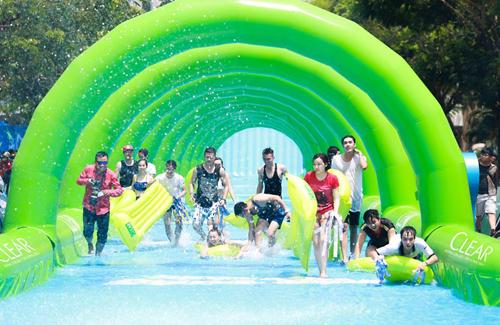 Đường trượt Clear, Đường trượt nước dài nhất Việt Nam, Sự kiện Clear, Dầu gội CLEAR