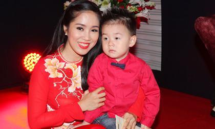 Lê Phương, vợ cũ Quách Ngọc Ngoan, bà mẹ một con, nhạc Bolero