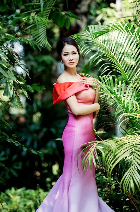 Xuân Nguyễn, diễn viên Xuân Nguyễn, Xuân Nguyễn khoe dáng gợi cảm, NTK Lê Thanh Hòa