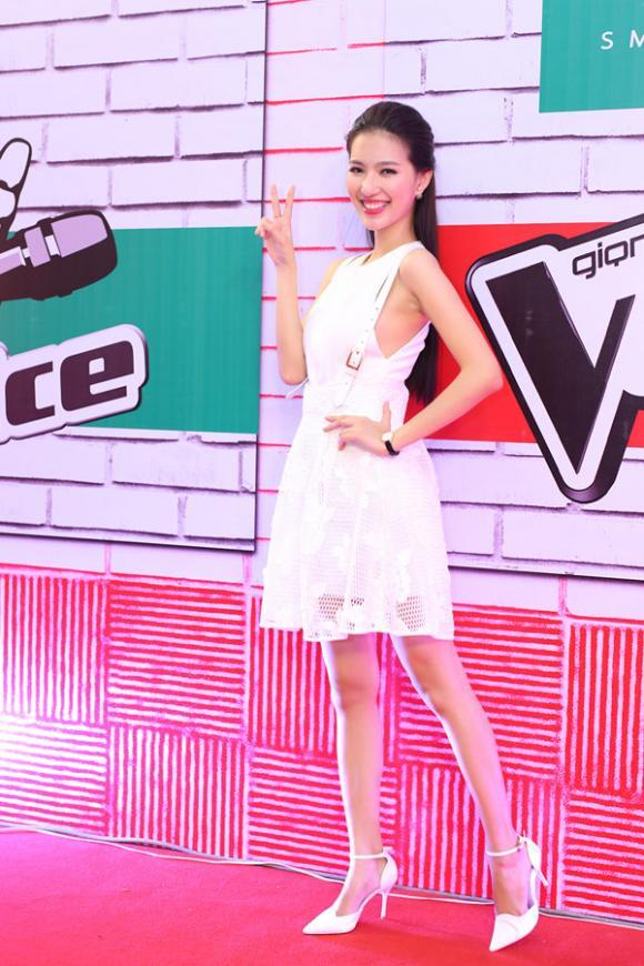 Mỹ Linh, MC Mỹ Linh, Mỹ Linh bỏ thi Hoa hậu, Mỹ Linh diện đầm ngắn, Mỹ Linh làm MC The Voice, The Voice 2015