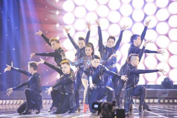 tuyệt đỉnh tranh tài, tuyệt đỉnh tranh tài mở màn, tuyệt đỉnh tranh tài liveshow 1, Thủy Top, Huỳnh Minh Thủy, Thái Trinh, Thảo Trang, Hà My, Hải Yến,Trung Quân Idol