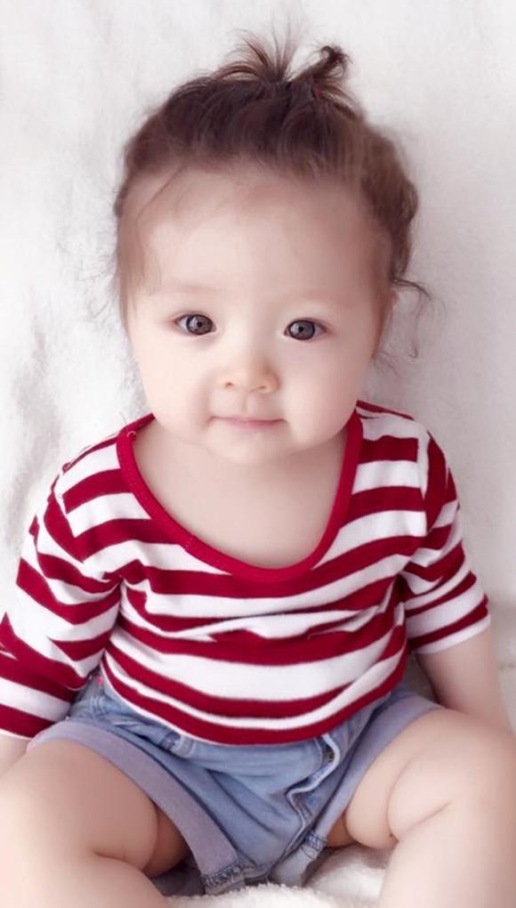 Cadie, Mộc Trà, nhóc tỳ, bé Cadie, Bé Mộc Trà, con gái Elly Trần, Cadie cực yêu, Cadie buộc tóc