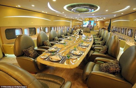 Khám phá nội thất phi cơ riêng siêu sang trọng và đẳng cấp của giới giàu có 5