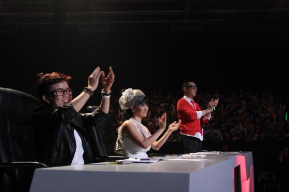 Thảo Trang, nữ ca sĩ Xấu lạ, Thảo Trang chia tay bạn trai, Thảo Trang được giám khảo cứu, Tuyệt đỉnh tranh tài