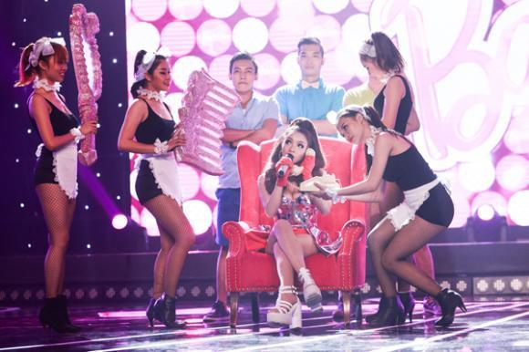 Thủy Top, hotgirl Thủy Top, Thủy Top đáng yêu, Thủy Top hóa Barbie Girl, Tuyệt đỉnh tranh tài