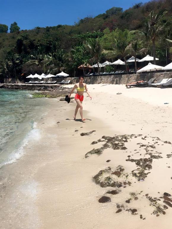 Thái Hà,Thái Hà khoe đường cong trên biển,Thái Hà diện bikini