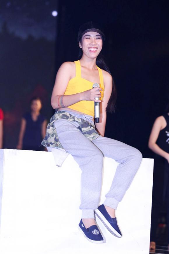 Thảo Trang, nữ ca sĩ xấu lạ, Thảo Trang bị loại, Tuyệt đỉnh tranh tài, Thảo Trang được cứu, Thảo Trang tươi rói tập luyện