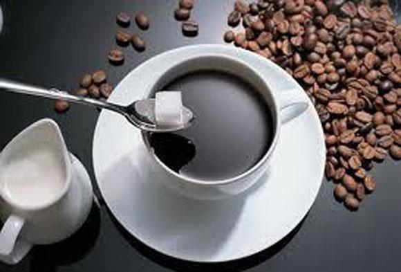 thực phẩm khiến bạn nổi mụn,đồ uống chứa cafein,đồ ngọt,đồ chiên xào,đồ cay,tôm tép