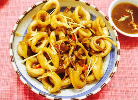 mực ống xốt me chua,món ngon cuối tuần,cách làm mực ống xốt me chua,mực dai,xốt me chua ngọt