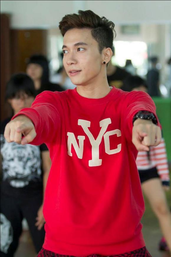 S.T (365), S.T (365) khoe vẻ điển trai, S.T (365) dạy nhảy, học trò Ngô Thanh Vân, nhóm 365