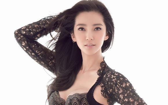 Bà chủ làng giải trí Hoa ngữ 6