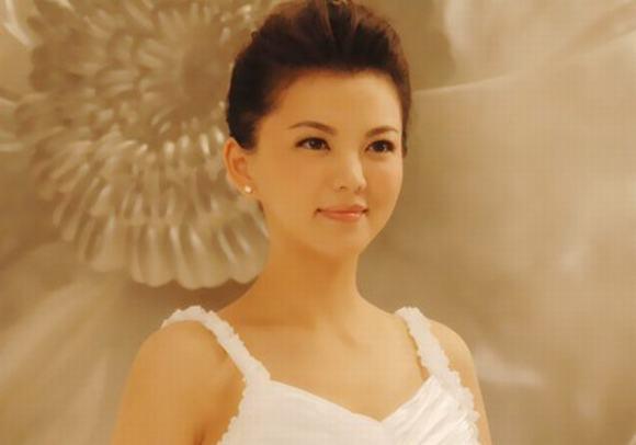 Bà chủ làng giải trí Hoa ngữ 3