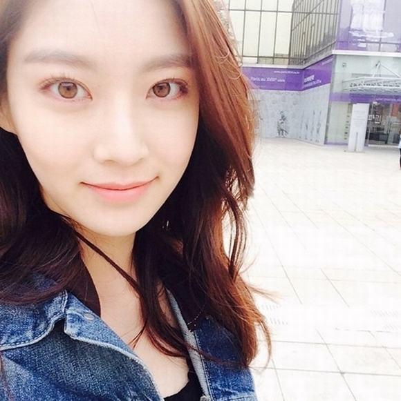 Mỹ nữ xứ Hàn mắt đẹp 16