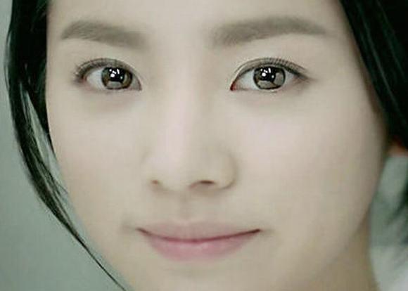 Mỹ nữ xứ Hàn mắt đẹp 26