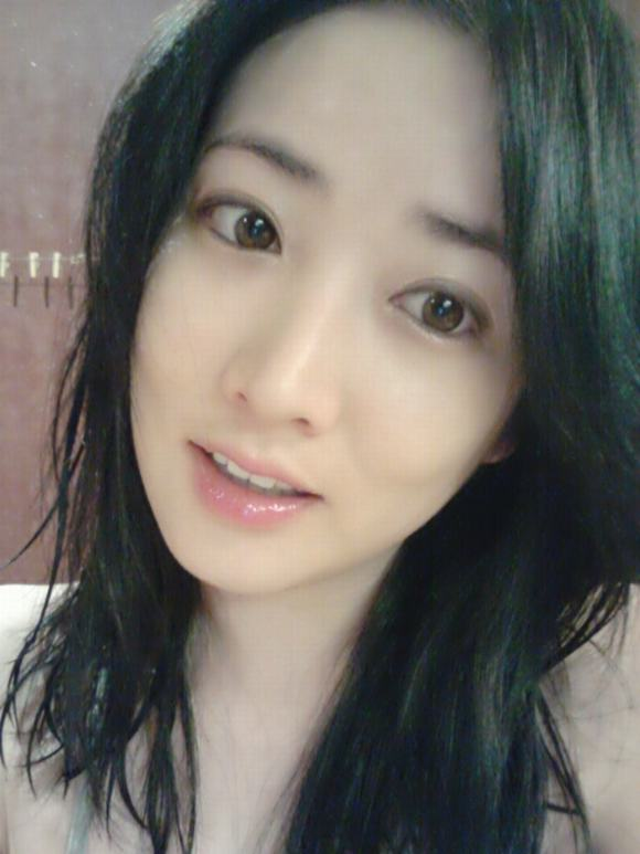 Mỹ nữ xứ Hàn mắt đẹp 20