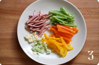 mì xào,cách làm mì xào,mì xào cho bữa sáng,món ăn đầy màu sắc