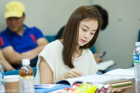 Kim Tae Hee gây xao xuyến với vẻ đẹp tựa nữ thần 9
