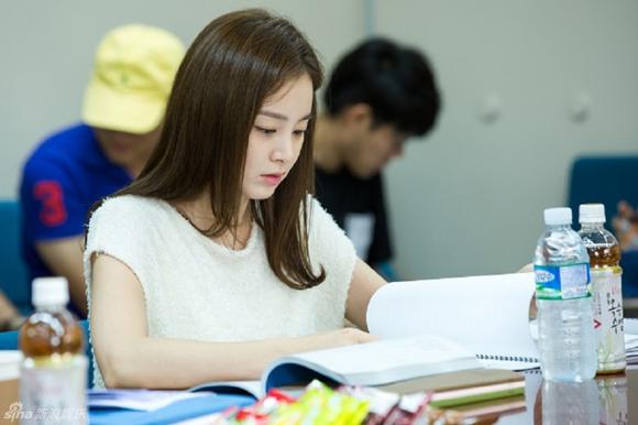 Kim Tae Hee gây xao xuyến với vẻ đẹp tựa nữ thần 1