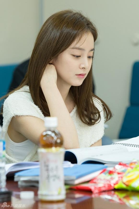 Kim Tae Hee gây xao xuyến với vẻ đẹp tựa nữ thần 3