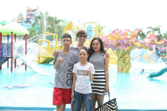 Long Nhật đi chơi cùng gia đình 3