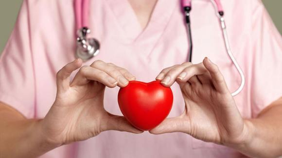 bệnh tim, dấu hiệu cảnh báo bệnh tim, hoa mắt chóng mặt, buồn nôn