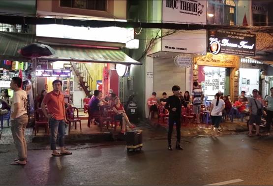 Hot Boy Kẹo Kéo Bùi Vĩnh Phúc hát tri ân khán giả