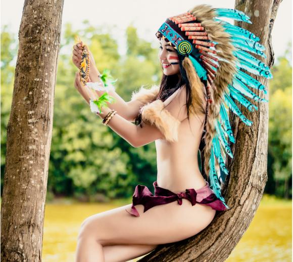 Bộ ảnh hot girl làm thổ dân 3