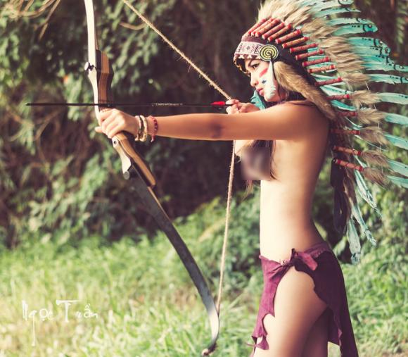 Bộ ảnh hot girl làm thổ dân 7