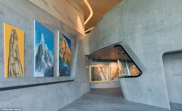 bao tang tren dinh nui 3 ngoisao.vn Cùng nhìn qua kiến trúc độc đáo của bảo tàng trên đỉnh núi cao 2286m