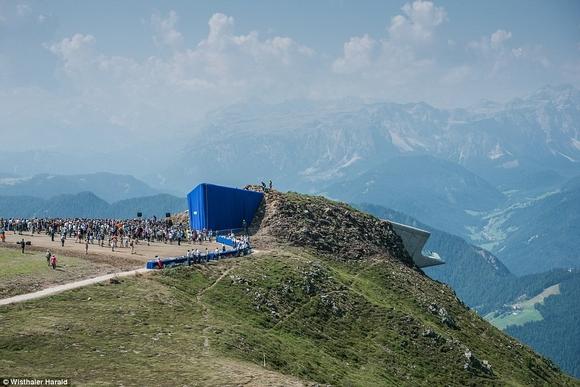 bao tang tren dinh nui 6 ngoisao.vn Cùng nhìn qua kiến trúc độc đáo của bảo tàng trên đỉnh núi cao 2286m