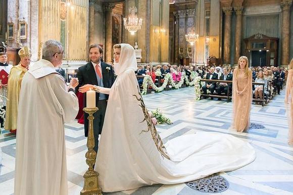 Đám cưới sa hoa của người thừa kế tập đoàn dầu mỏ 7