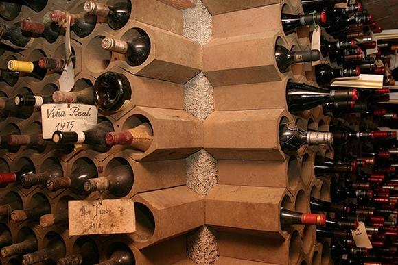 ke dung ruou trang tri nha them dep 3 ngoisao.vn Chia sẻ những cách tạo kệ đựng rượu trang trí nhà thêm đẹp