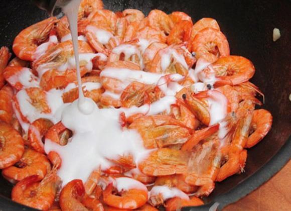 tôm rang dừa, cách làm tôm rang dừa, tôm rang, các món ngon từ tôm, địa điểm ăn ngon, món ngon, các làm tôn rang dừa