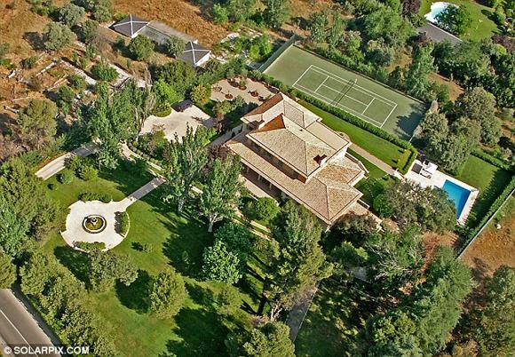vo chong becks 3 ngoisao.vn Vợ chồng Becks bán nhà ở Madrid thu được 146 tỷ đồng
