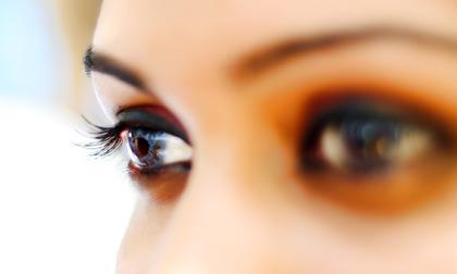 thói quen gây hại cho mắt, bảo vệ mắt, đôi mắt, chăm sóc mắt, cách giữ cho đôi mắt khỏe đẹp, chăm sóc sức khỏe, sức khỏe, thoi quen gay hai cho mat