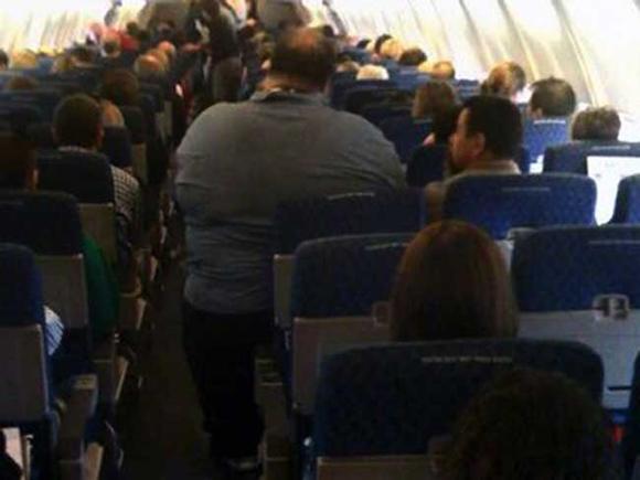 Bó tay với những hành khách 'không đỡ được' trên máy bay 6